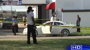 bentley houston 1 killed 2 injured in shooting outside southwest houston strip