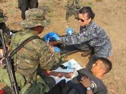 navy resume examples trauma training navy medicine testing day hospital corpsman 2nd class loany saldivar provides guidance to one of the testing