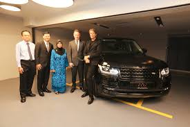 land rover malaysia limited edition range rover by piet boon for malaysia autoworld