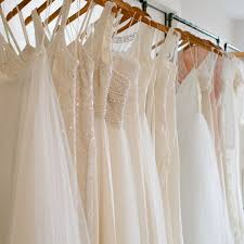 where to buy wedding where to buy your wedding dress brides
