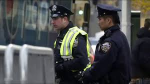thanksgiving day video nypd deploys 3 000 officers during macy u0027s thanksgiving day parade
