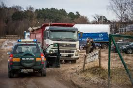 suzuki truck 2016 velgos u201c gamyklos teritorijoje u2013 neteisėtas statybos laužo