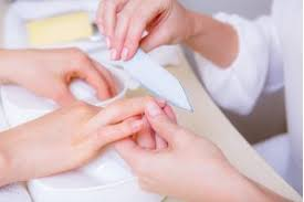 easy steps which will help to remove acrylic nails