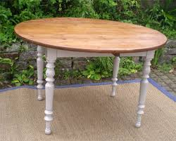 table de cuisine ancienne table ronde a volets ancienne en bois peint table