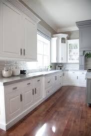 Kitchen With Backsplash by Kitchen Best 25 White Kitchen Cabinets Ideas On Pinterest Kitchens