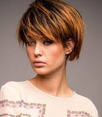 Bob Frisuren Kinnlang Mit Pony by Bob Frisuren Fransig Mit Pony Frisure Mode