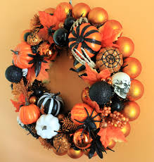 kate makes three spooktacular halloween wreaths retro renovation
