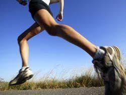 Щоб зміцнити здоров'я - біжіть спиною вперед - images?q=tbn:ANd9GcTPNCt