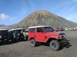 jeep couple bromo tour sunrise sunset and kawah ijen tour for solo couple or