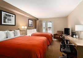 hotel chambre fumeur travelodge suites moncton moncton nouveau brunswick hôtel