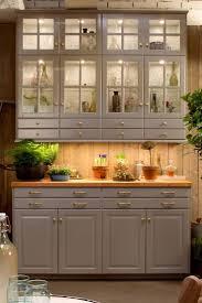 cuisine lambris salle à manger meubles cuisine ikea vaisselier en bois gris