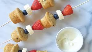 plastic fruit skewers dessert kabobs fruit and muffin style otis spunkmeyer