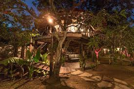 airbnb versi indonesia 8 amazing treehouses in indonesia you can actually stay in