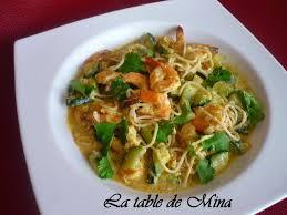 comment cuisiner des nouilles curry de crevettes aux courgettes et nouilles chinoises la table