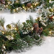 Christmas Decorations Outdoor Garland by Decorating Awesome Christmas Decorating Idea With Pretty Pre Lit