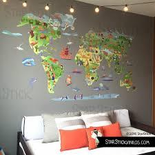 chambre bébé stickers sticker muraux chambre bébé sticker enfant carte du monde avec animaux