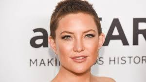 the back of penneys new haircut kate hudson debuts a textured pixie the hot new hair trend of