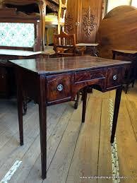 scrivanie stile antico mobili antichi scrivanie e scrittoi piccolo e antico scrittoio