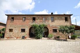 the tuscan house agriturismo for sale in italy tuscany arezzo lucignano