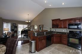 Kitchen Cabinets Peoria Il by 2402 W Chandler Jim Barr Real Estate