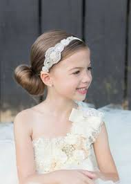 flower girl hair accessories 21 flower girl hairstyle ideas to make weddingomania
