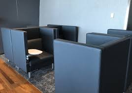 review air canada maple leaf lounge montreal airport one mile