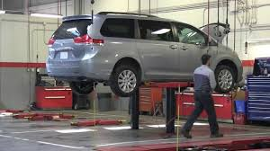 lexus serviced at toyota quality service toyota technician youtube