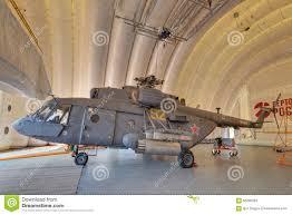 capannoni gonfiabili elicottero in un capannone gonfiabile immagine stock editoriale