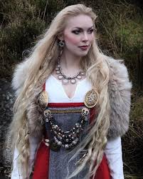 hair styles for viking ladyd 621 best vikings images on pinterest viking woman viking dress