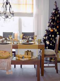 White And Gold Christmas Decorations Ideas by Chic Christmas Decorating Ideas Black And Golden Colors