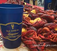 personalized crawfish trays personalized plastic cups for crawfish boil 22 oz