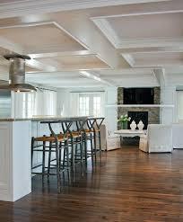 faux plafond cuisine ouverte cuisine ouverte sur le salon 9 idées d aménagement originales
