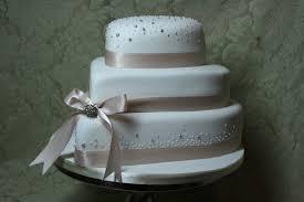heart shaped wedding cakes frosted heart shaped wedding cake flickr photo blue