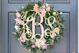 wedding wreath a gloucester wedding with southern sophistication