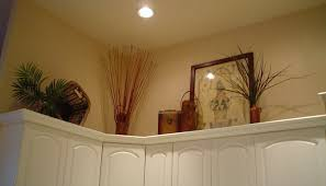 ideas for above kitchen cabinets decorating above kitchen cabinets modern exitallergy com