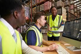 bureau logistique team la logistique de gestion d entrepôt dans un bureau sur place