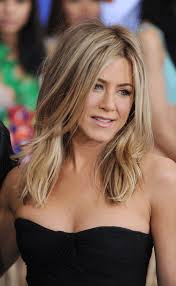 what is the formula to get jennifer anistons hair color jennifer aniston looks hot at just go with it premiere