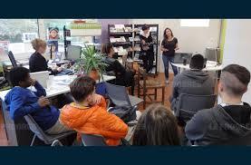 bureau information jeunesse société la jeunesse invitée à imaginer une coopérative de services