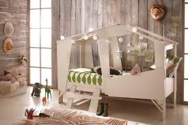 cabane chambre idée déco cabane magique pour chambre d enfant au top