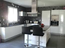 cuisine blanche mur cuisine blanche mur gris clair anthracite facade cuisine bathroom