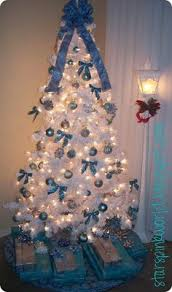 blue and silver tree decorations images