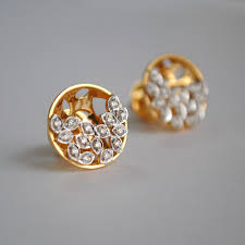 gold second studs earrings colorless certified diamond stud earring in 18k