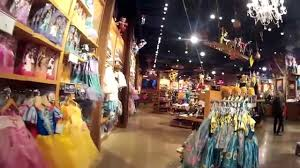 a tour of michigan ave disney store youtube