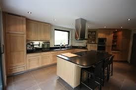 cuisine en chene blanchi cuisine rocchetti oslo chêne blanchi plan granit meubles rocchetti