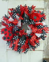 ladybug deco paper mesh wreath tutorial trendy tree blog