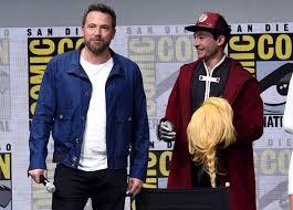 justice league ben affleck and justice league cast return to comic con