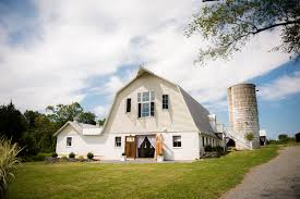 renovated barn for wedding receptions 48 fields farm