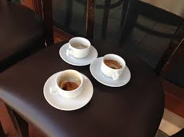 coffee cups file empty coffee cups le bistrot du sommelier singapore