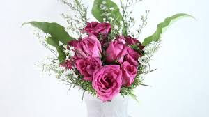 Red Flowers In A Vase How To Arrange A Dozen Roses In A Vase 11 Steps With Pictures