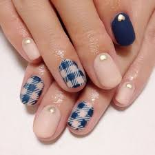 simple nail designs for short nails to do at home